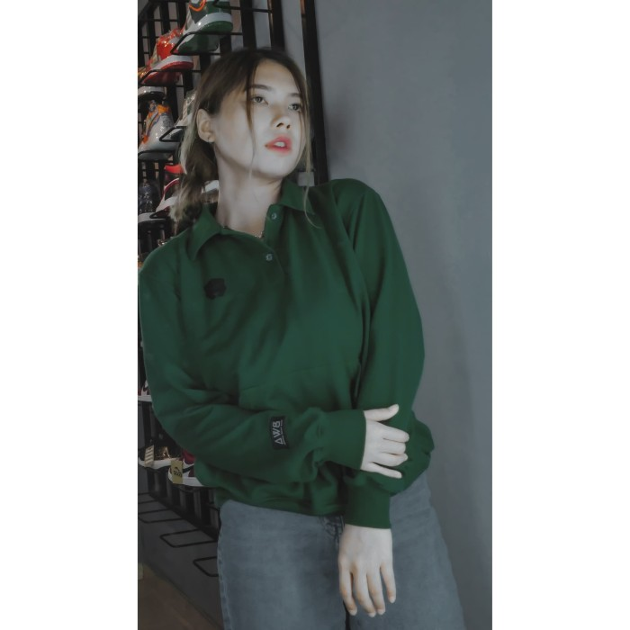 Foto Produk Green Salvador Crewneck - S dari Bear Wang Apparel