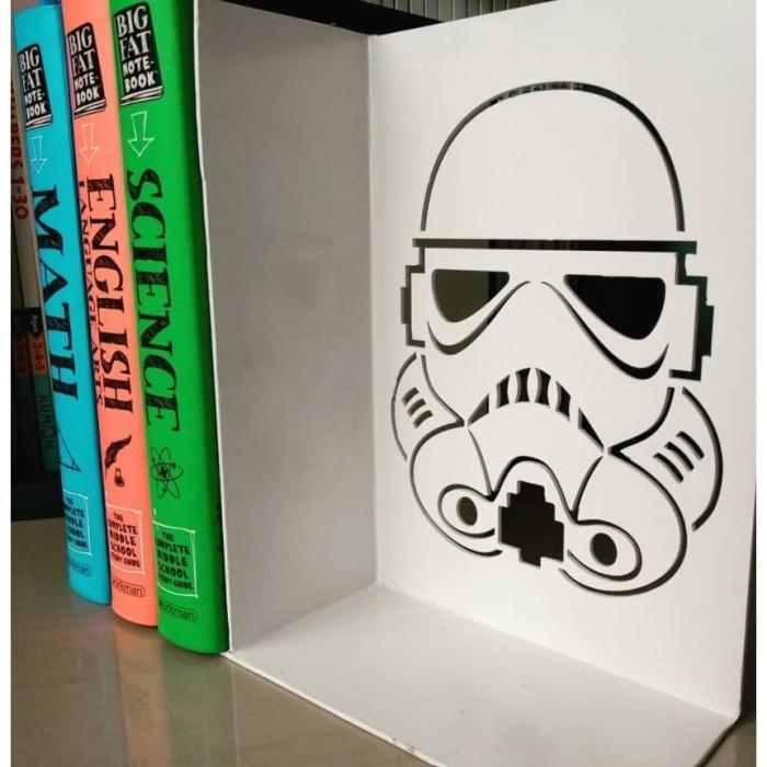 Foto Produk Star Wars Storm Troopers Pembatas Buku Besi Rak Buku Book End dari The Pain Hunters