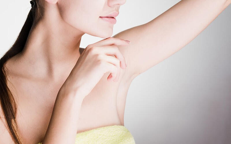 1x Permanent Hair Removal Under Arms + Free Razor