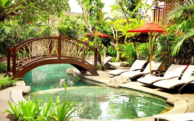 Pool Package + Meal + Drink for 1 Person