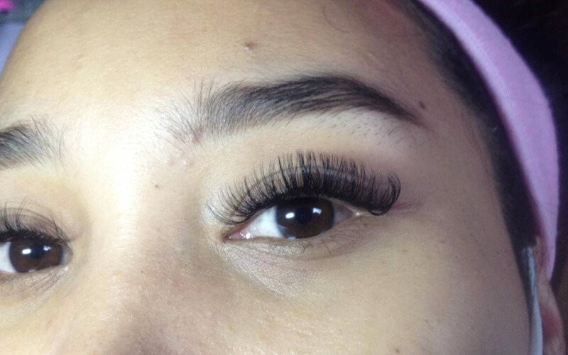 1x Volume Eyelash Extension + Free Retouch 1 Minggu & Sisir - Available by Appointment