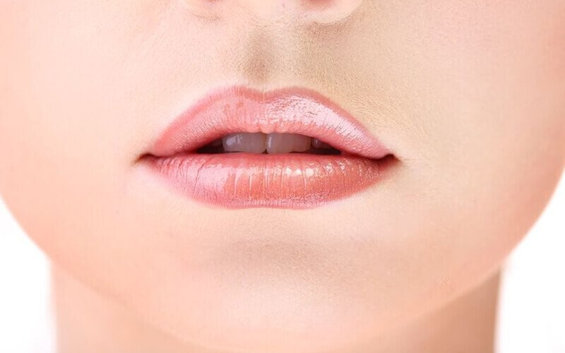 1x Sulam Bibir + Free 1x Retouch selama 2 Bulan - Available by Appointment