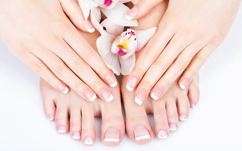 1x Manicure / Pedicure + French Polish