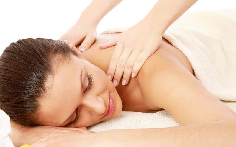 1x Full Body Massage + Totok Aura + Body Scrub + Body Whitening Mask (150 Menit)