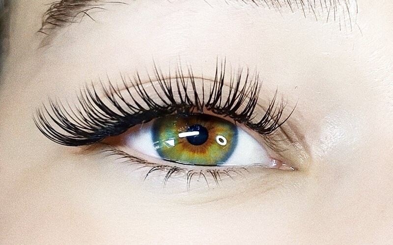 1x Classic Eyelash Extension Dolled Up Debbie - Available for Home Service