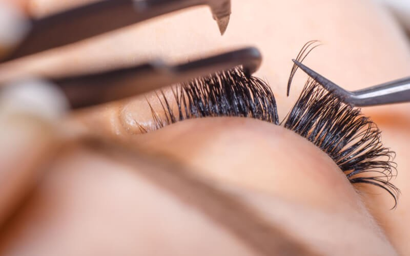 1x Double Lash Basic Eyelash Extension + Free Eyelash Comb + Free Voucher for Stamp Collection