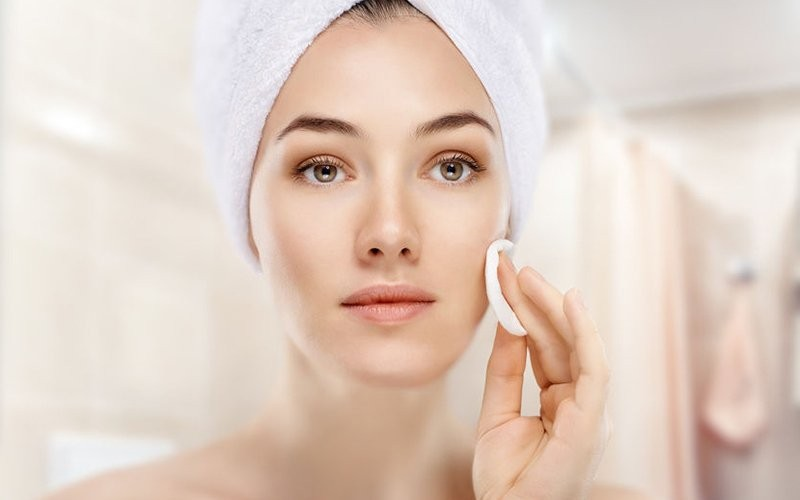 1x Akuindah Facial + Cleansing & Comedo Extraction + High Frequency + Masker & Serum