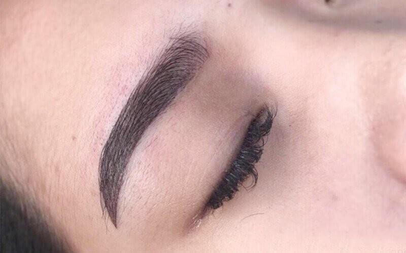 1x Natural Eyebrow Embroidery + Free Retouch 3 Months (Microblading / Microshading / Mix) - Available for Home Service