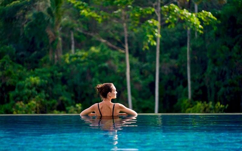 1x Resort Day Pass: Free Access to Infinite Pool + Westin Workout Fitness Studio + Wellness Activities + Voucher Senilai Rp 150.000 untuk Menu Makanan dan Minuman