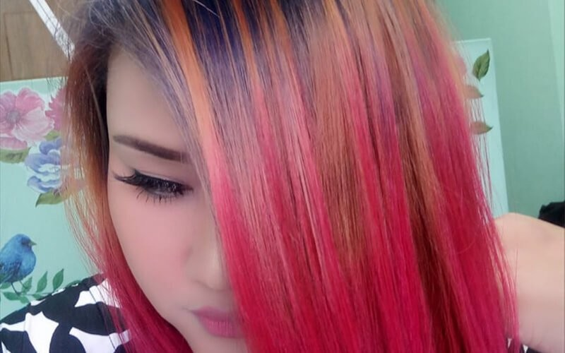 1x Hair Coloring / Ombre / Highlight + Wash + Blow Dry / Catok / Curly (Medium Hair)