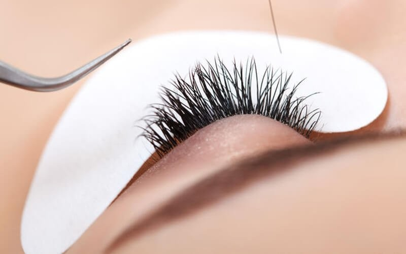 1x Double Eyelashes Extension + Retouch