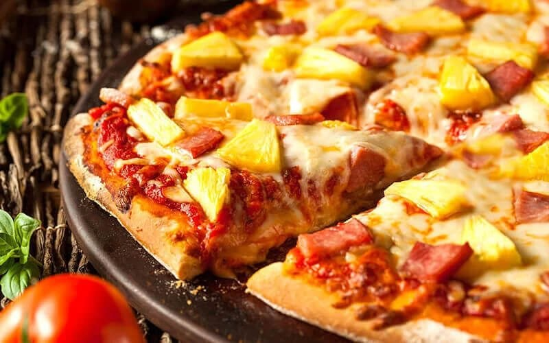 Pizza + Beer Bucket + Pool Access (Max 4 Person)