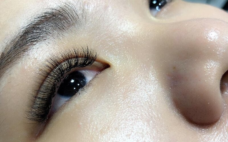 1x Classic Set Eyelash Extension + Free Sisir - Available by Appointment