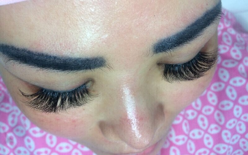 Russian Eyelash Extension