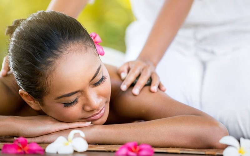 1x Full Body Massage + Body Scrub (120 Menit) - Available for  Home Service