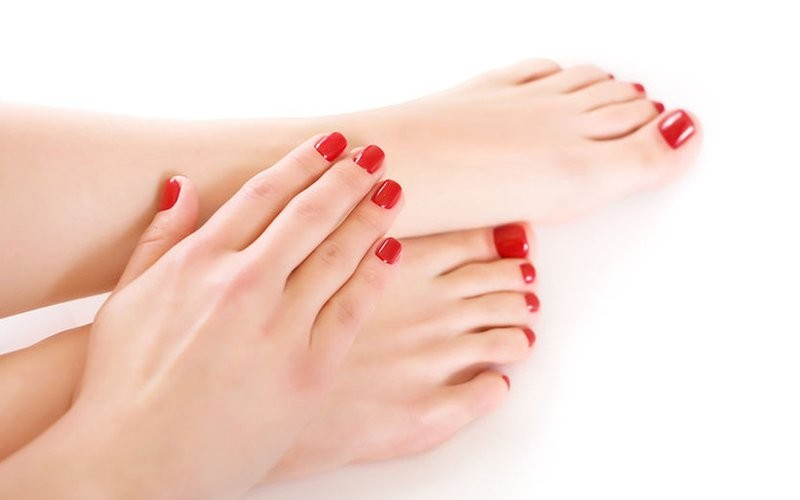 1x Spa Manicure + Pedicure