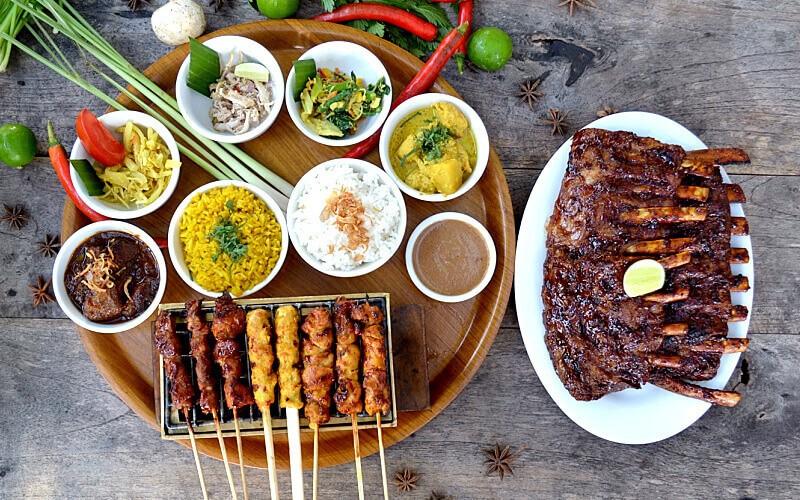 Paket Makan Pork Ribs Complete untuk 4 Orang