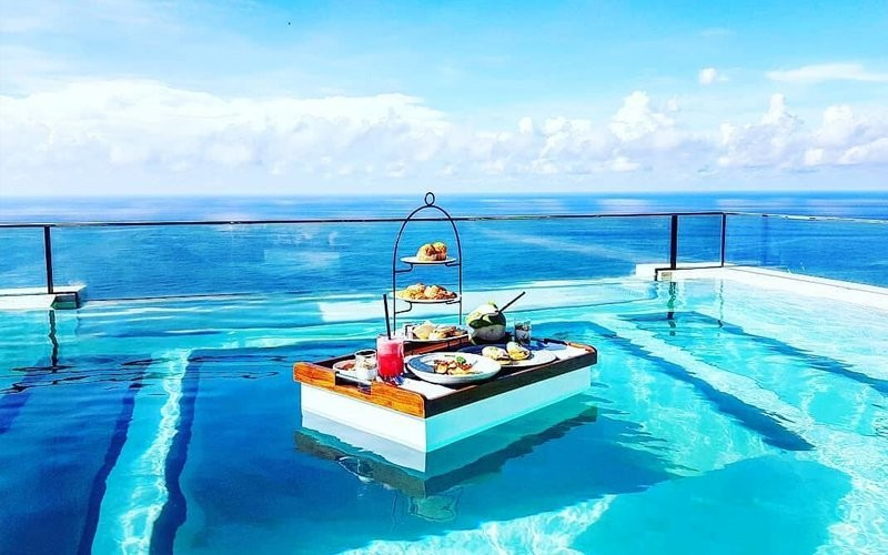Floating Breakfast & Spa Package at The Spa (90 Minutes)