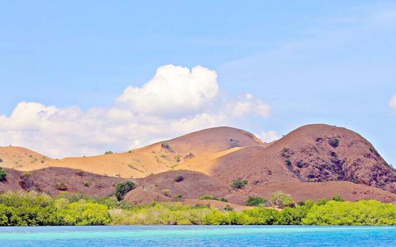 Labuan Bajo Hooping Island Tour for 1 person