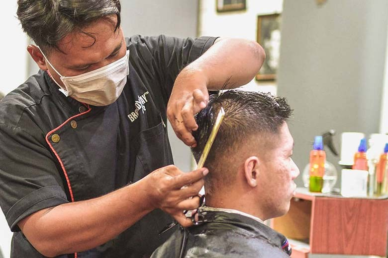 [Kris Kencana A1 samping Ciputra World] Special for Regular Cut  Premium Cut from Broadway Barbershop Surabaya - Premium Cut