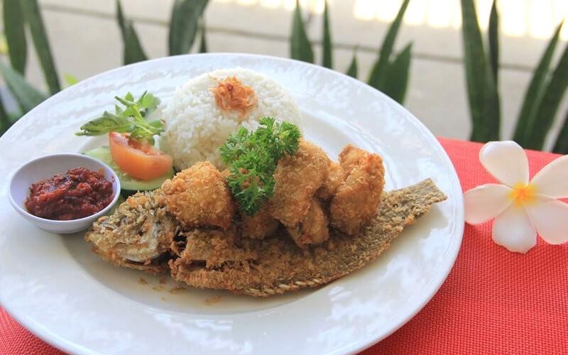 Buy 1 Get 1 Paket Lalapan Ayam/Ikan/Tahu/Tempe