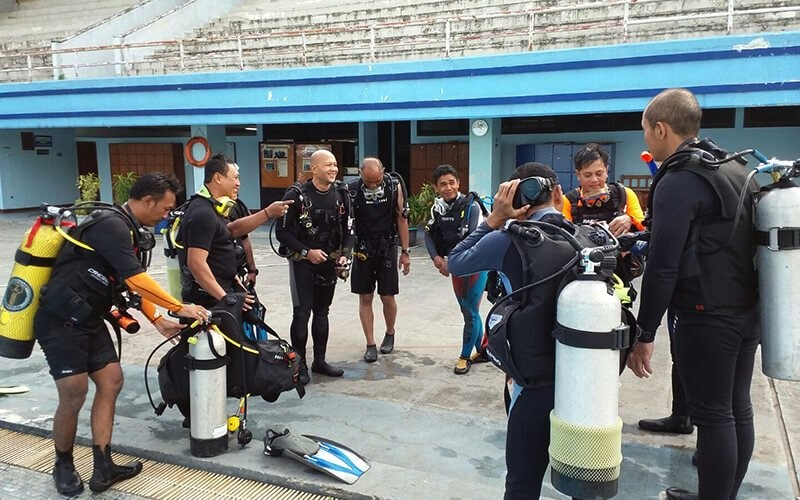 Open Water Course - 1 Day Pool Seasion + 2 Days Stay at Pramuka Island