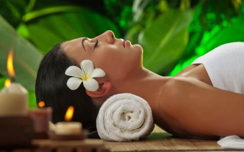 1x Hello Holiday Massage Packages (Full-Body Massage) 60 Menit + Free Pool Access