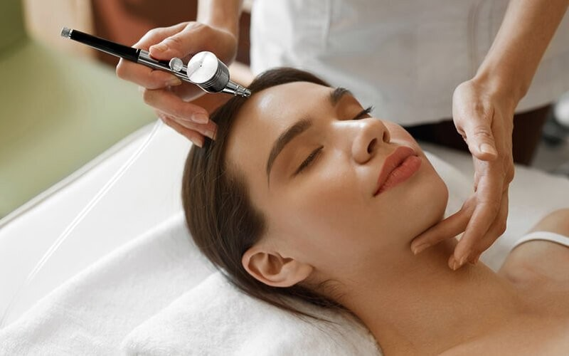 Cleansing + Microdermabrasion Treatment + HF + Oxy + Serum + Sunblock