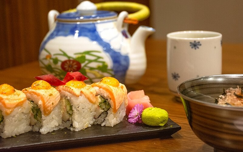 Weekdays Lunch: Eat All You Can Sushi + Drink at No Na Ma Restaurant