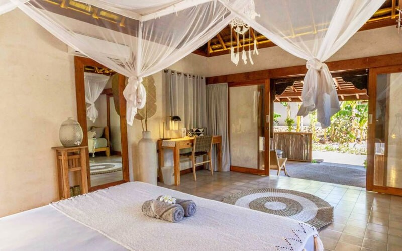 4D3N - Boutique Family Garden Bungalow + Breakfast + Lunch + Massage + One Way Airport Transfer