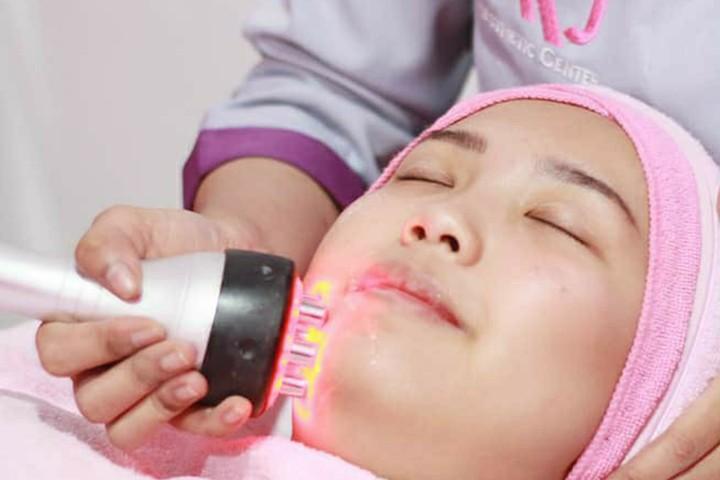 [Jl Mulyosari Tengah 97B] All Favorite TREATMENT from AKJ Aesthetic Center - Glowing Treatment  Facial Oxygeneo  Face Massage  Serum  Masker