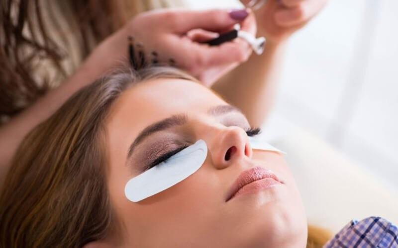 Volume Eyelash Extension + Eyelash Brush