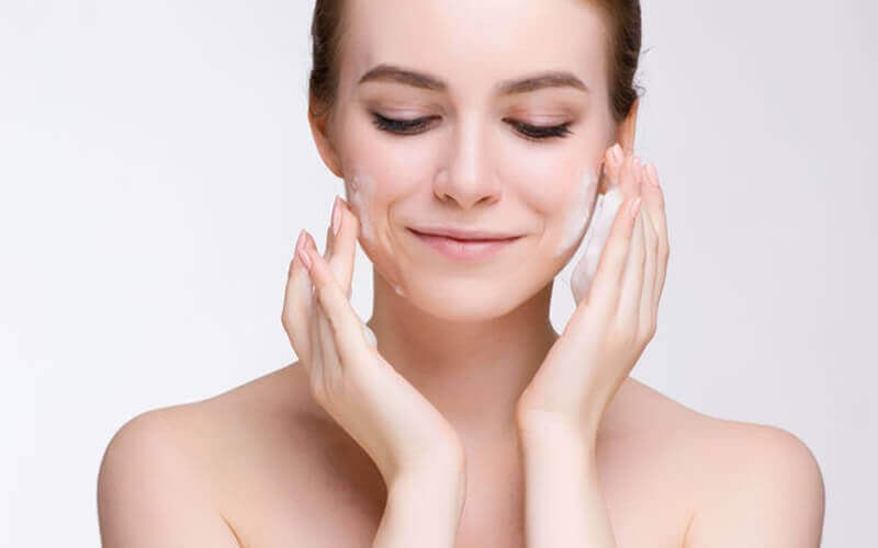 Facial Reducing Acne/Vitamin C For pigment