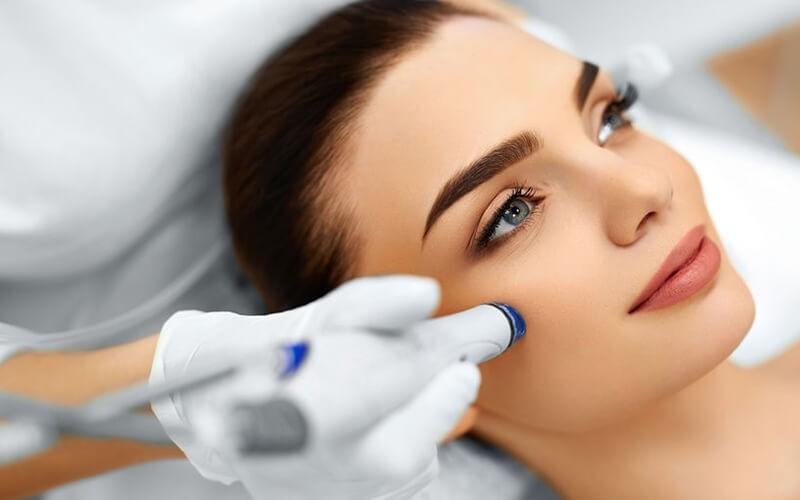 Facial Detox + Microdermabrasi