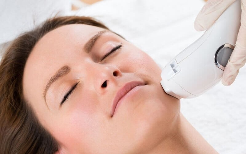 [8.8x17an]  IPL Face + Glimmer Face & Body Peel