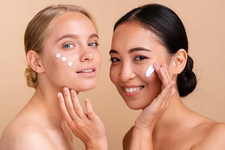 [RSIA Pusura Jalan Tegalsari no 59 Surabaya] Facial PDT  Peeling Collagen  Laser by Winona Aesthetic Clinic - Peeling Collagen  Peeling  Facial  Massage  Serum Collagen  Masker
