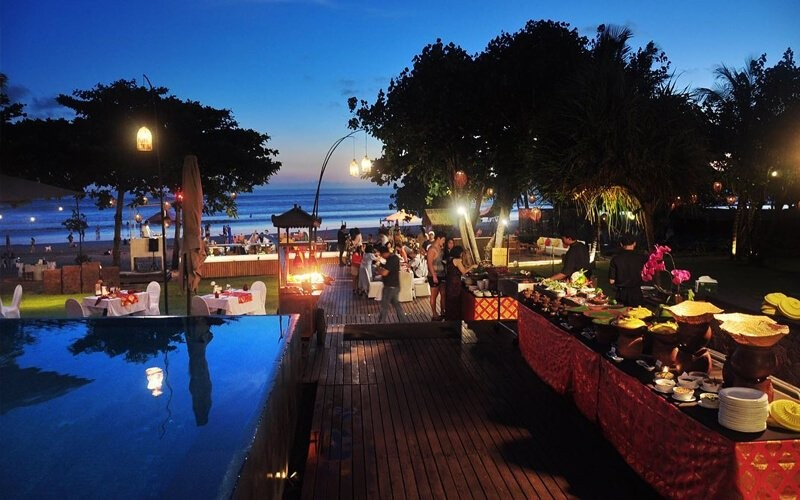 All You Can Eat Sunset Buffet + Free Flow Drink For 1 Person