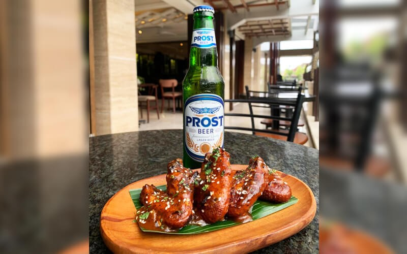 [8.8x17an] Chicken Wings + Prost Beer