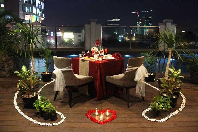 [Jalan Tunjungan No 101 Surabaya] Poolside Romantic Dinner from Swiss-belinn Tunjungan Surabaya - Poolside Romantic Dinner