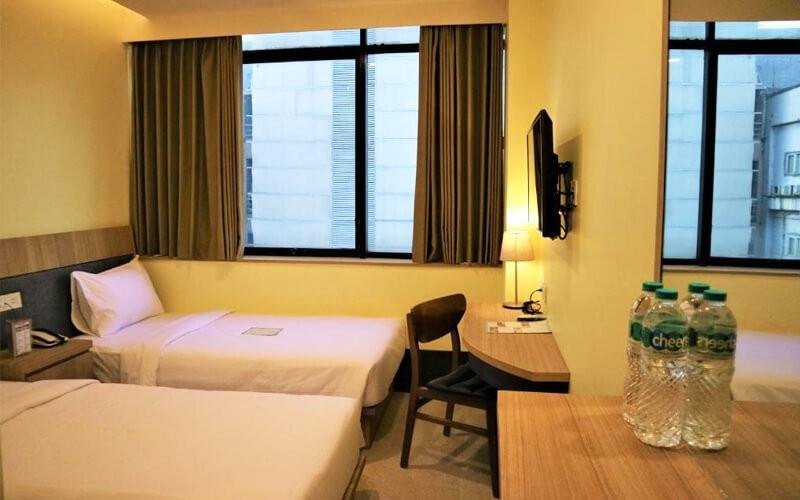 2D1N - Standard Room + Breakfast