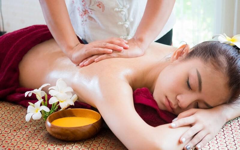 Full Body Massage + Kop / Kerik (130 Menit)