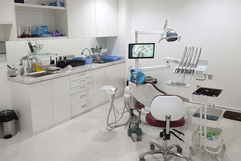 [Jalan Kupang Jaya 100 A Surabaya] Gigi Sehat Bersih  Kilau  Konsultasi Dokter dari Dent Me Aesthetic Dental Clinic - Kawat Gigi Atas  Gigi Bawah