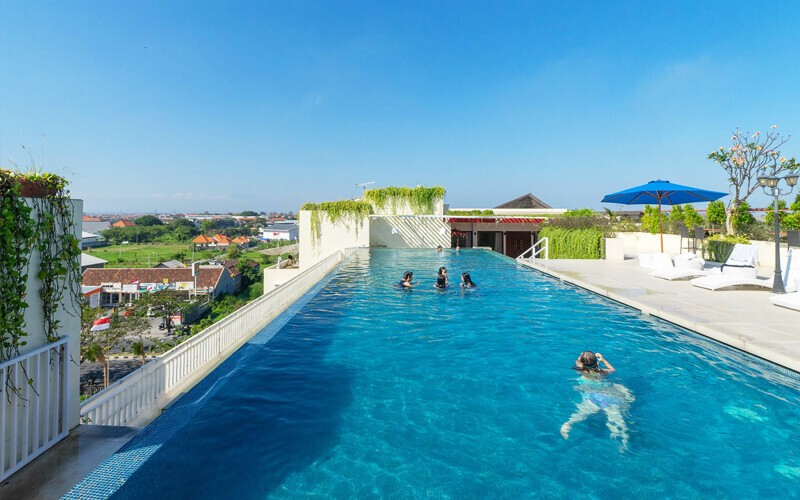 Pool Package at Rooftop + Snakcs + Orange Juice + Towel For 8 Persons