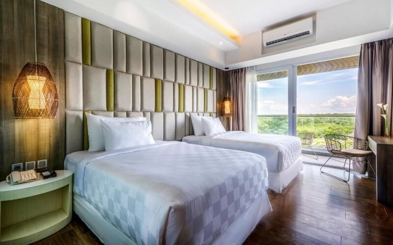 Day Use Room + Pool Package For 2 Persons