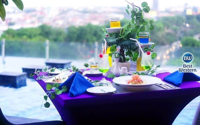 Candle Light Romantic Dinner Package For Couple