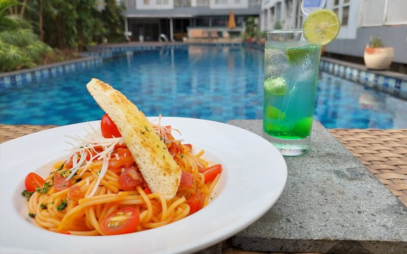 Lunch & Swim Package For 1 Person
