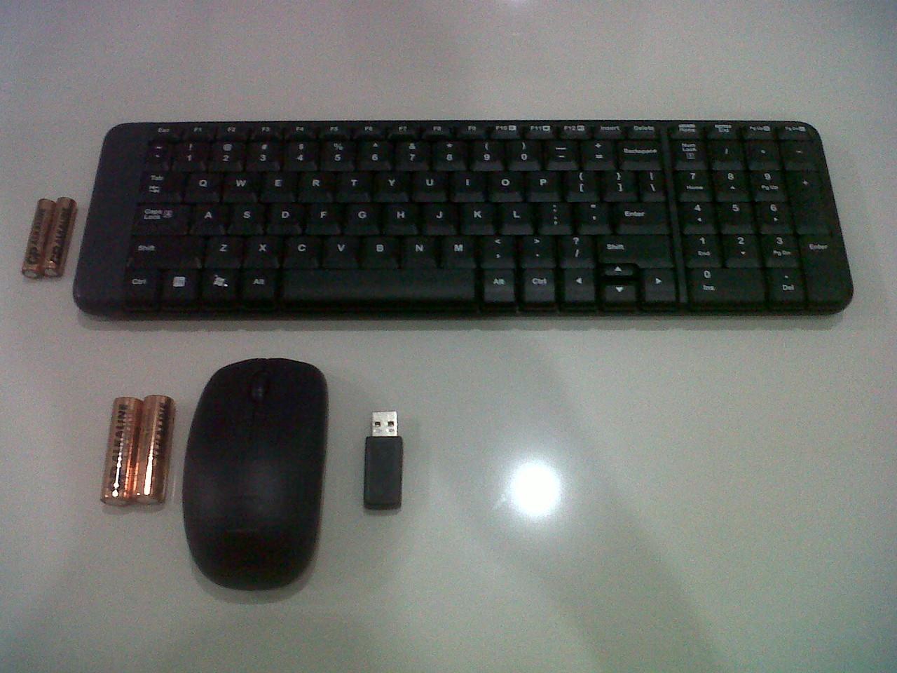 Jual Keyboard Mouse Logitech Wireless Mk220 Taksaka Store Tokopedia