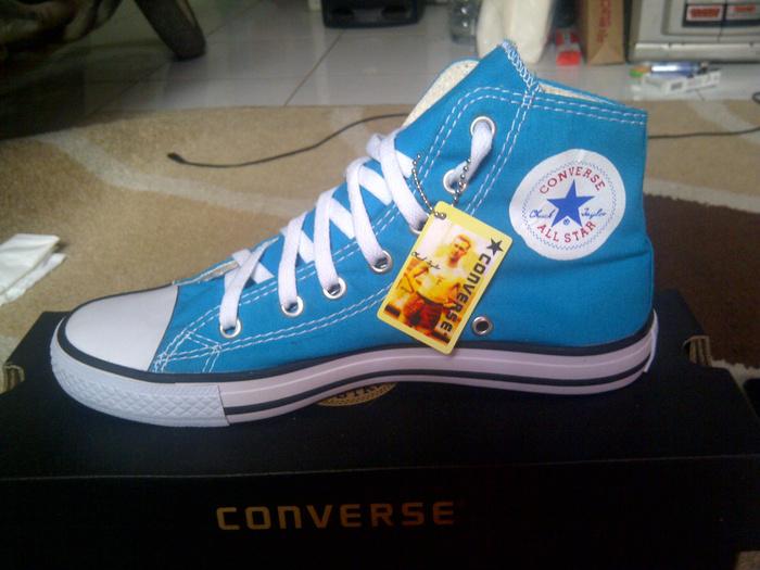 Terjual Jual Sepatu Converse All Star Terbaru a0b63788ca