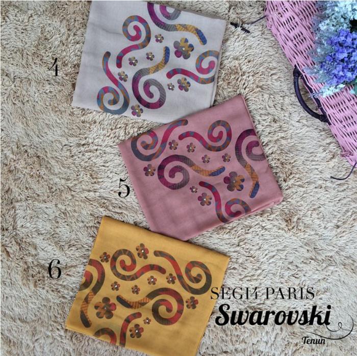 Jual Hijab Flower Swarovski / Kerudung segi empat flower / Hijab segi 4 - TWIN HIJAB BOUTIQUE | Tokopedia