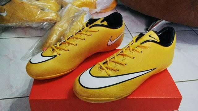 b26c7997312 63f6f de7ba  shopping shopping jual sepatu futsal nike mercurial vapor x  gold orange semut ganas sport tokopedia 8e42c